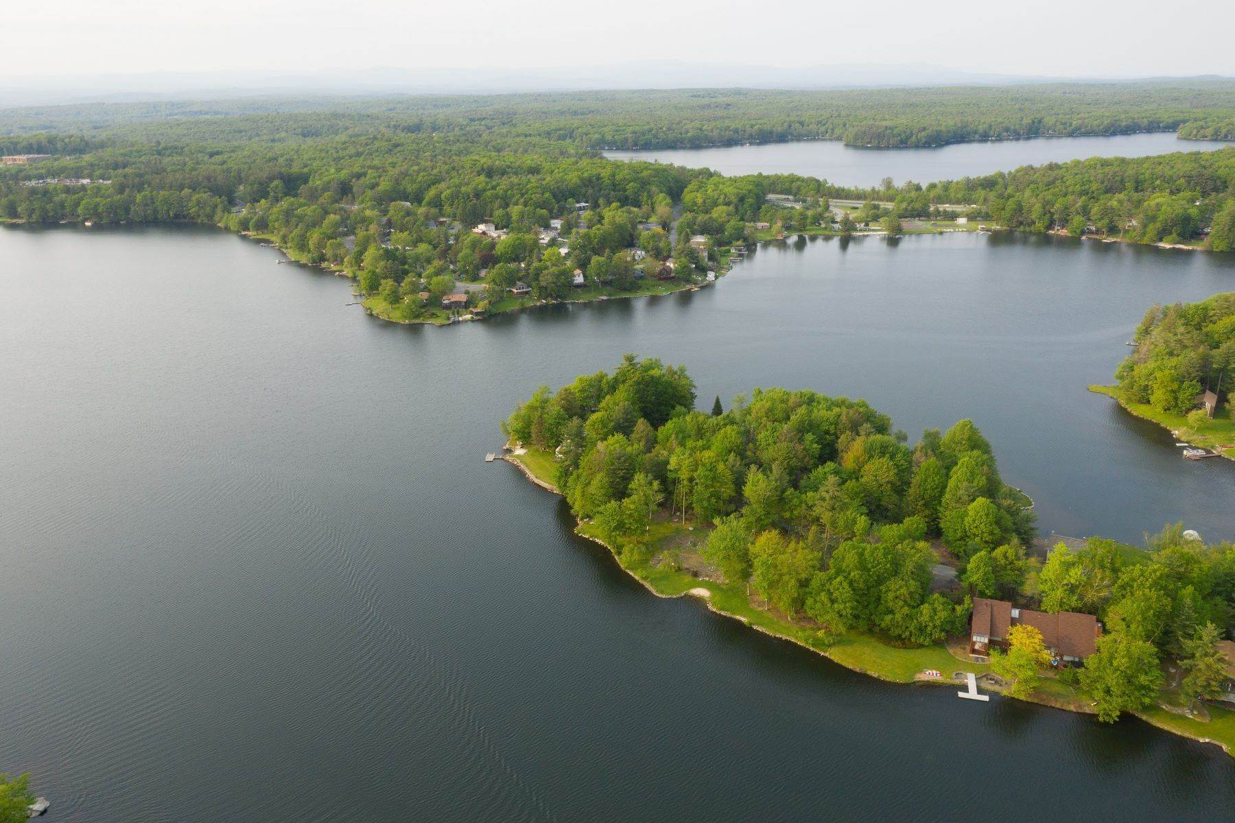 32. Single Family Homes for Sale at Lake Louise Marie Lakefront 51 Scarborough Circle, Emerald Green Rock Hill, New York 12775 United States