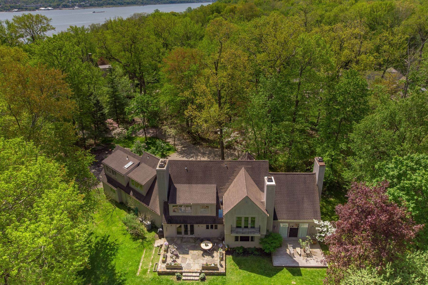 Single Family Homes for Sale at The Vineyard House 50 Woods Road Palisades, New York 10964 United States