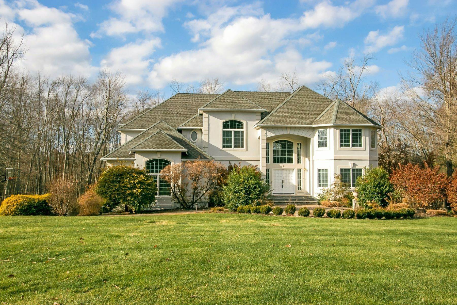 Single Family Homes for Sale at Magnificent Center Hall Colonial 8 Pvt Lovett Court Blauvelt, New York 10913 United States