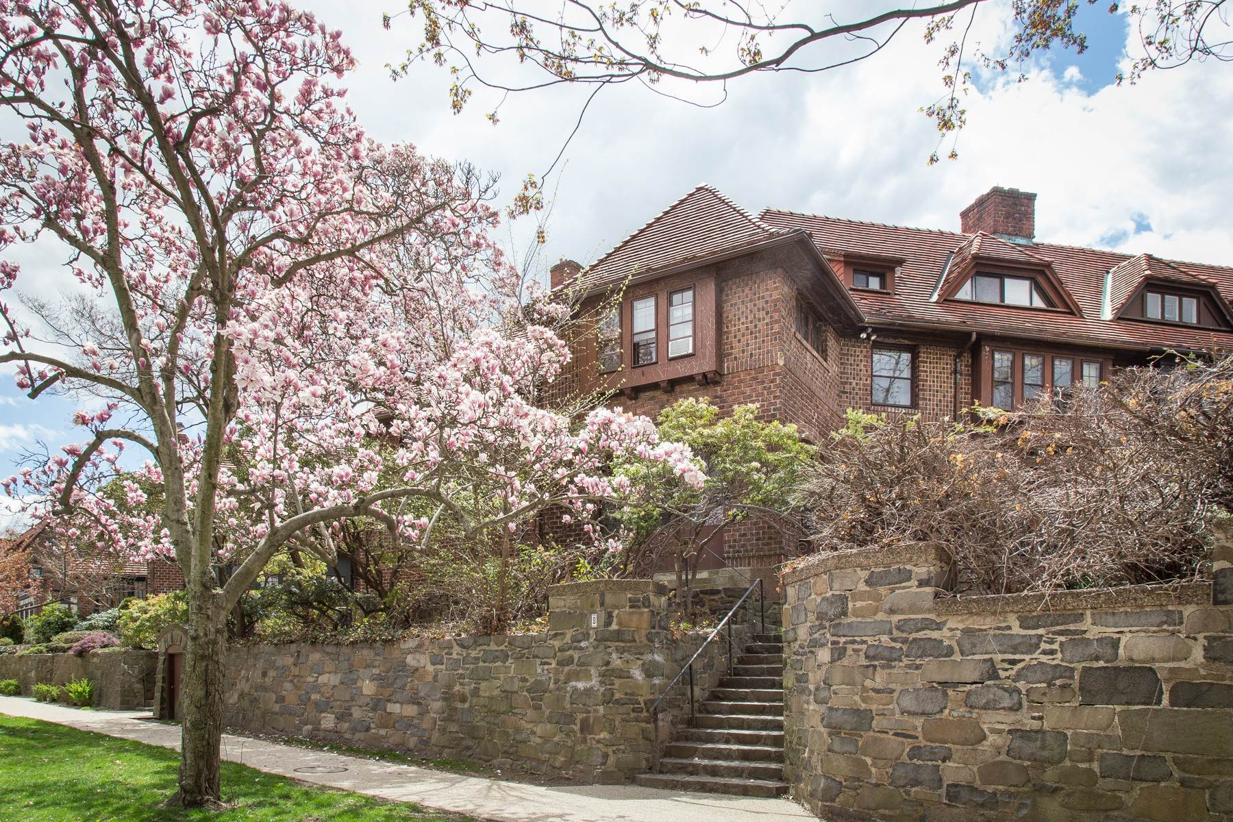 Single Family Homes for Sale at 'STRIKING ORIGINAL ATTERBURY' 9 Markwood Road, Forest Hills Gardens, Forest Hills, New York 11375 United States