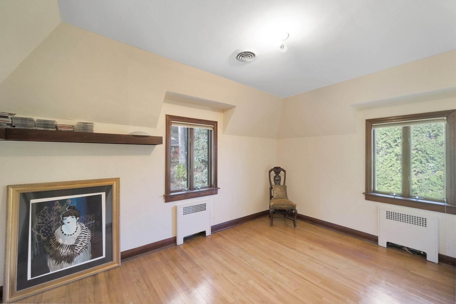 20. Single Family Homes for Sale at Village Brick Tudor 17 Wisner Terrace Goshen, New York 10924 United States