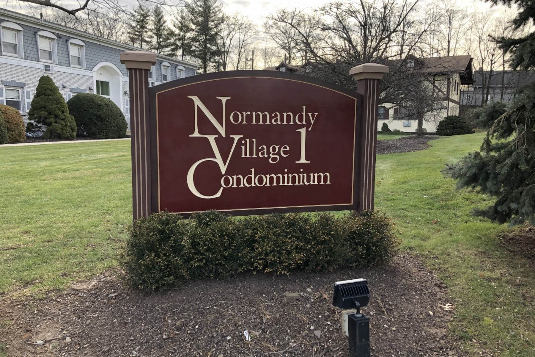 Condominiums for Sale at 9 Normandy Village , Unit #8 Nanuet, New York 10954 United States