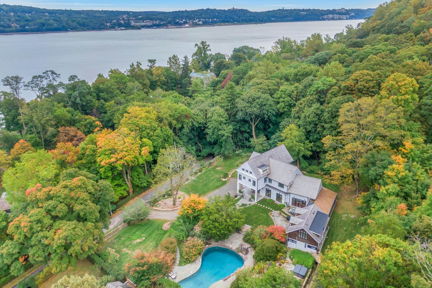 Single Family Homes for Sale at 'Gilman Carriage House' 11 Lawrence Lane Palisades, New York 10964 United States
