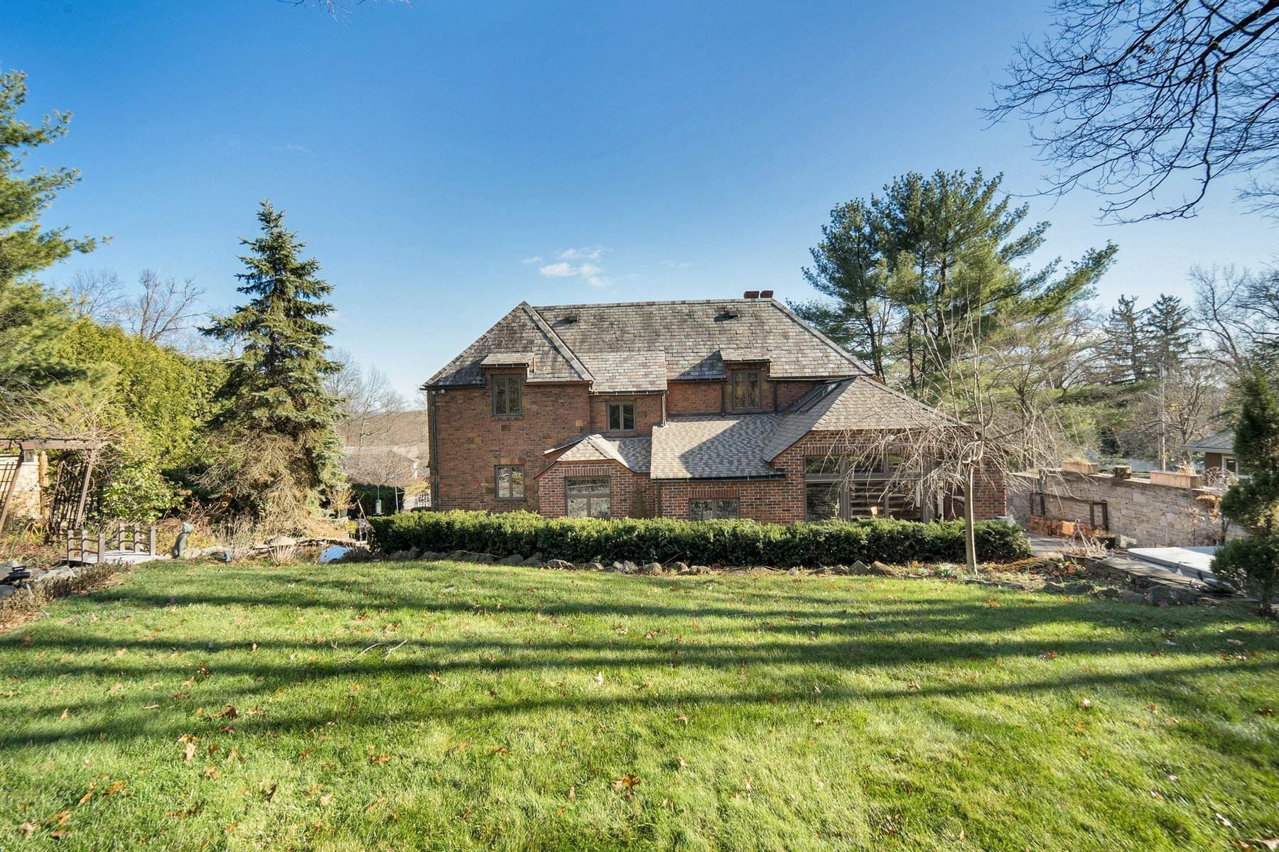 25. Single Family Homes for Sale at Village Brick Tudor 17 Wisner Terrace Goshen, New York 10924 United States
