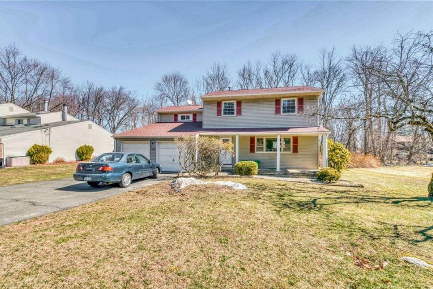 Single Family Homes for Sale at 357 W Clarkstown Rd 357 W Clarkstown Road New City, New York 10956 United States