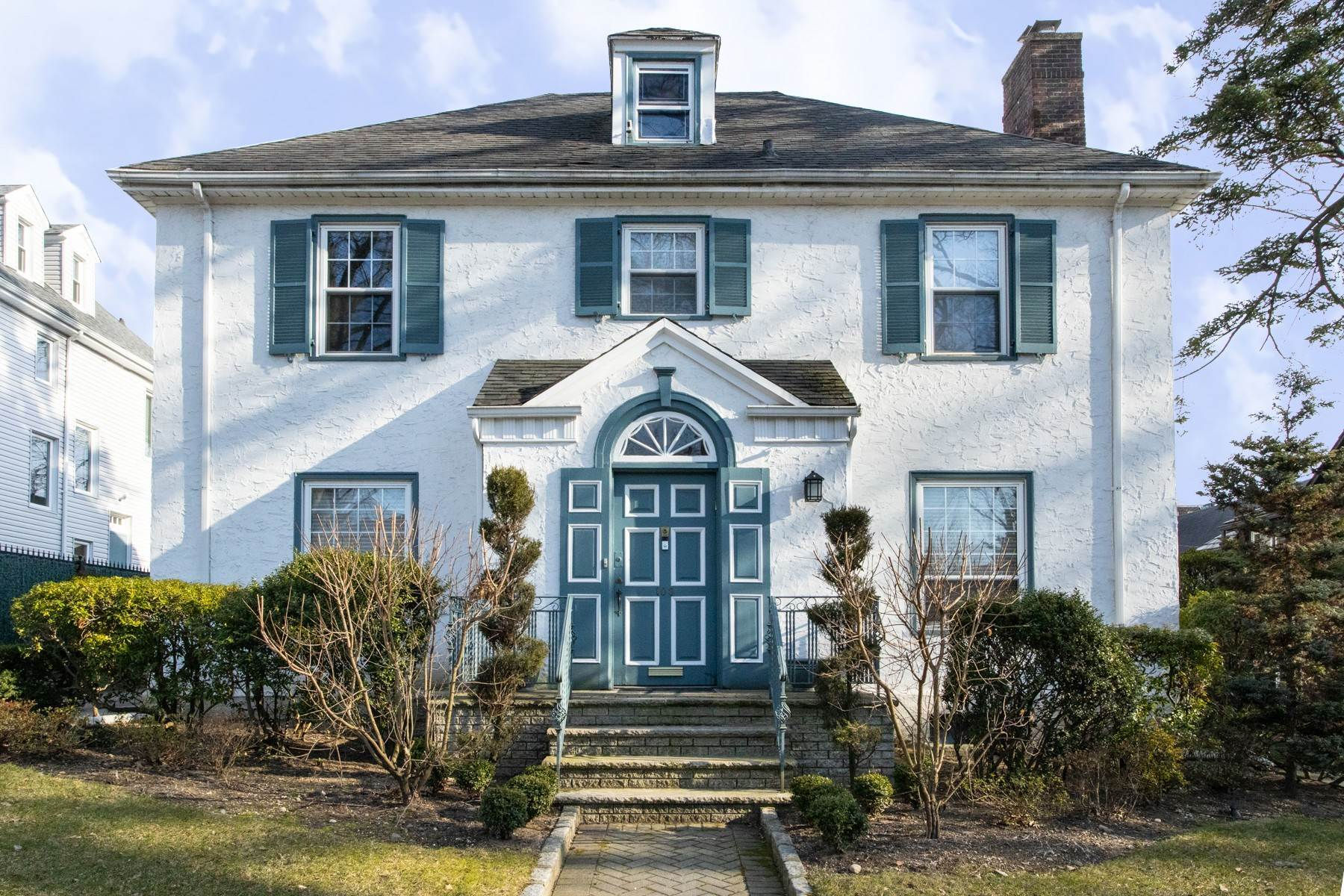 Single Family Homes for Sale at 'GRACIOUS LIVING IN KEW GARDENS' 103 Mowbray Drive, Kew Gardens, New York 11415 United States