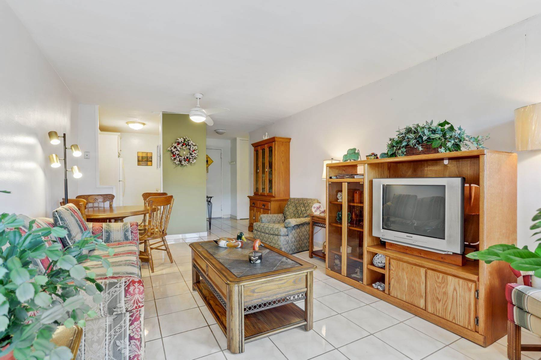 Co-op Properties for Sale at The Fountains of Clove Lake 1000 Clove Road, 3B Staten Island, New York 10310 United States