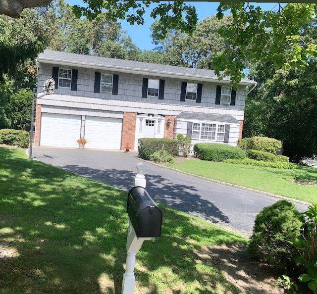 Single Family Homes for Sale at 71 Harbor Oaks Drive, Kings Park, NY 11754 17 Harbor Oaks Drive Kings Park, New York 11754 United States