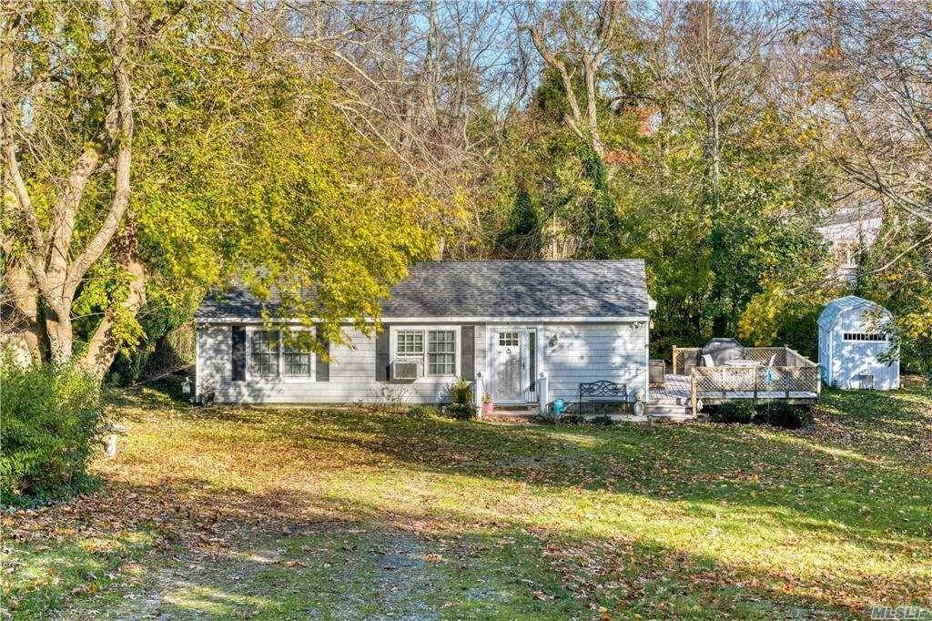 Single Family Homes for Sale at 5275 New Suffolk Avenue, Mattituck, Ny, 11952 5275 New Suffolk Avenue Mattituck, New York 11952 United States