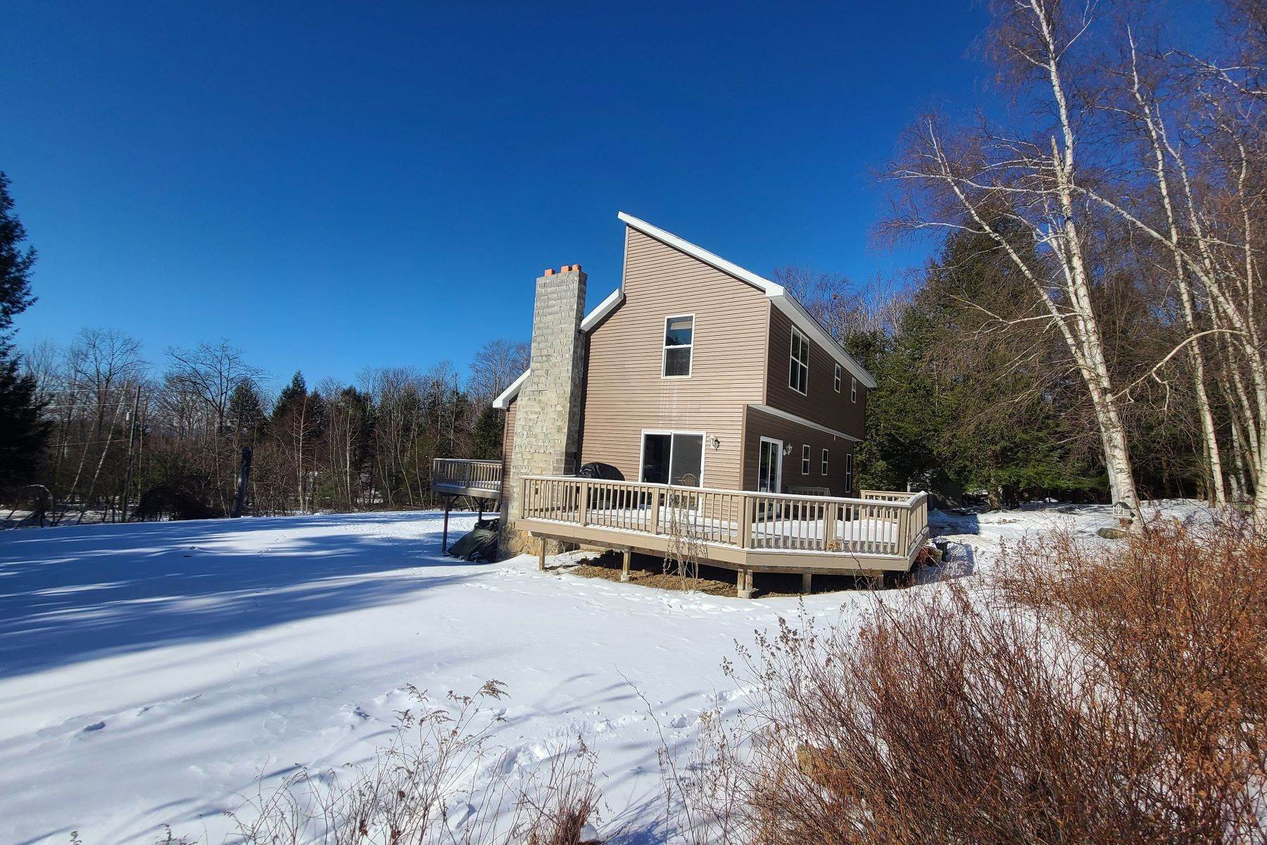 Single Family Homes for Sale at 430 Momrow Road, Sand Lake 430 Momrow Road Sand Lake, New York 12153 United States