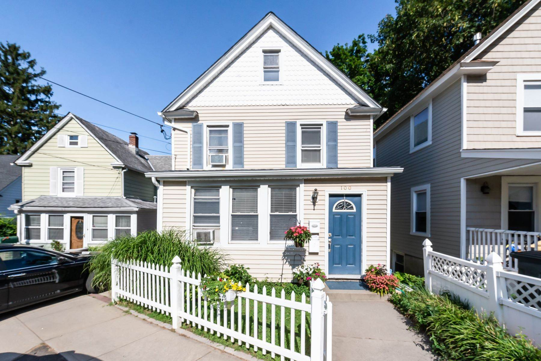 Multi-Family Homes for Sale at 100 School, Oyster Bay, Ny, 11771 100 School St Oyster Bay, New York 11771 United States