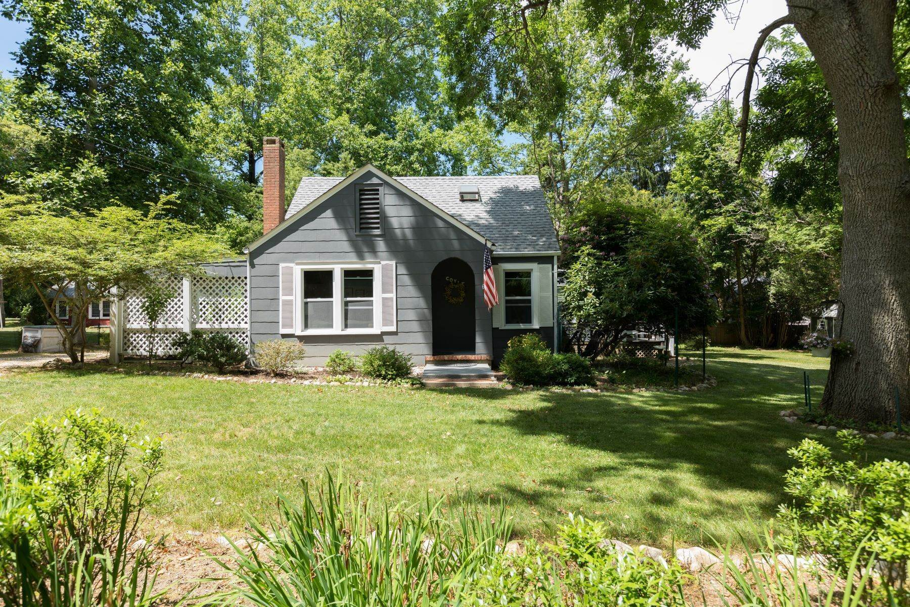 Single Family Homes for Sale at 142d Orchard Road, Shelter Island, Ny, 11964 142D Orchard Road Shelter Island, New York 11964 United States