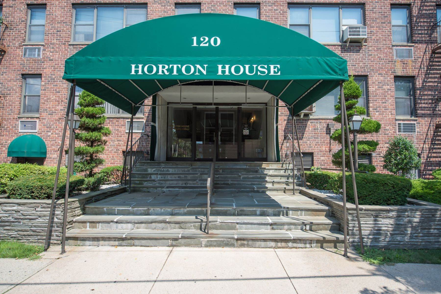Co-op Properties for Sale at 120 Horton Highway, Mineola, Ny, 11501 120 Horton Highway Mineola, New York 11501 United States