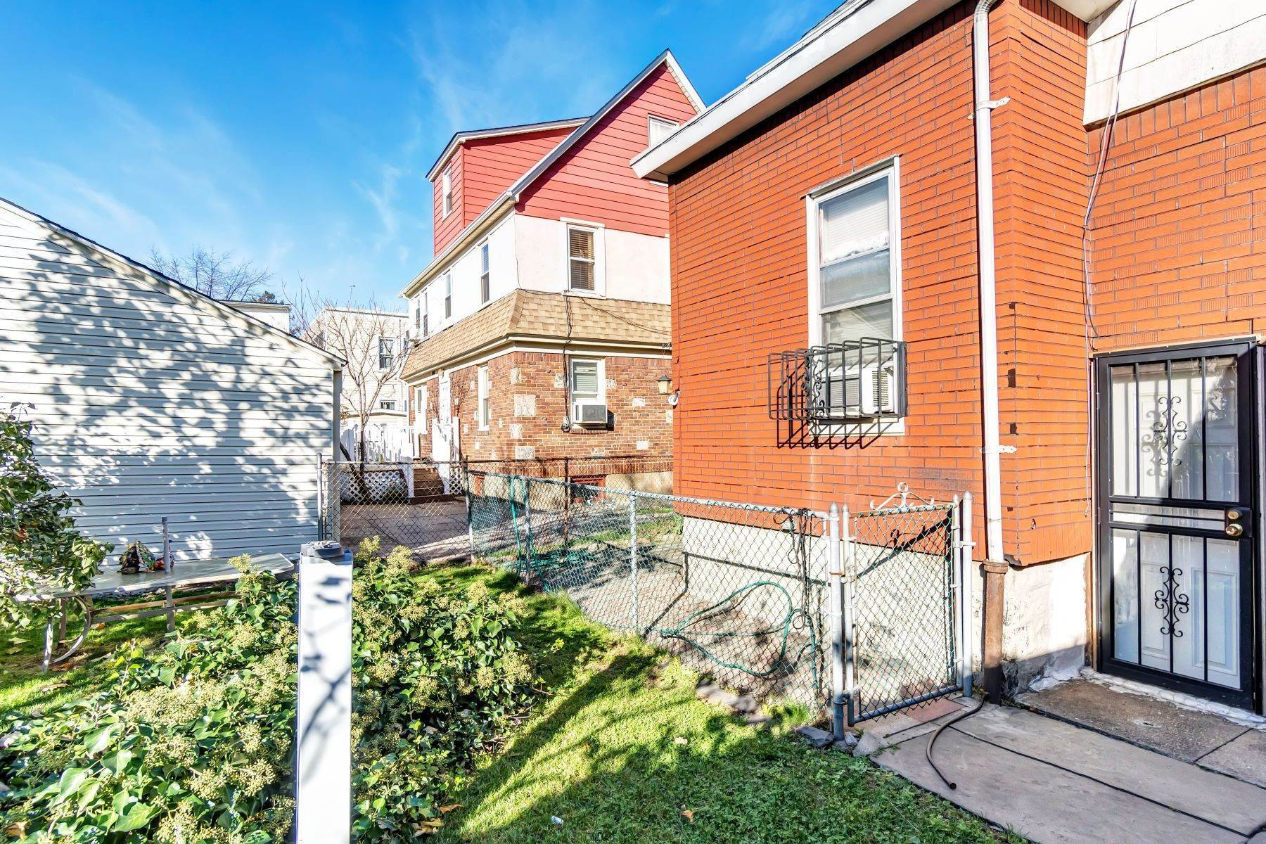 Multi-Family Homes for Sale at 95-18 113th St, Richmond Hill, Ny, 11419 95-18 113th Street Richmond Hill, New York 11419 United States