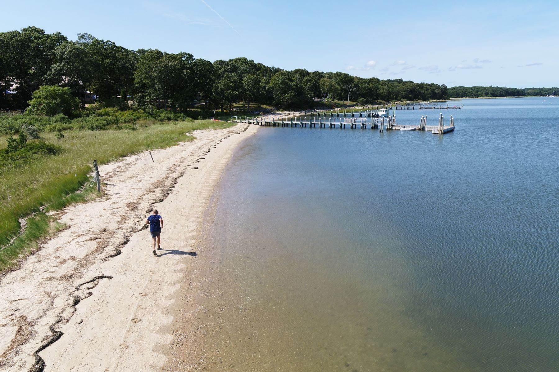 Single Family Homes for Sale at 47b S Ferry Rd, Shelter Island, Ny, 11964 47B S Ferry Rd Shelter Island, New York 11964 United States