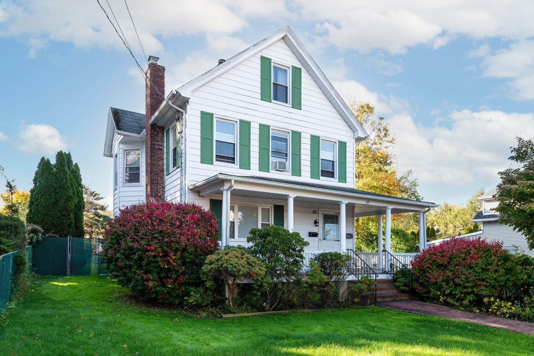 Multi-Family Homes for Sale at 85 Orchard Street, Oyster Bay, Ny, 11771 85 Orchard Street Oyster Bay, New York 11771 United States