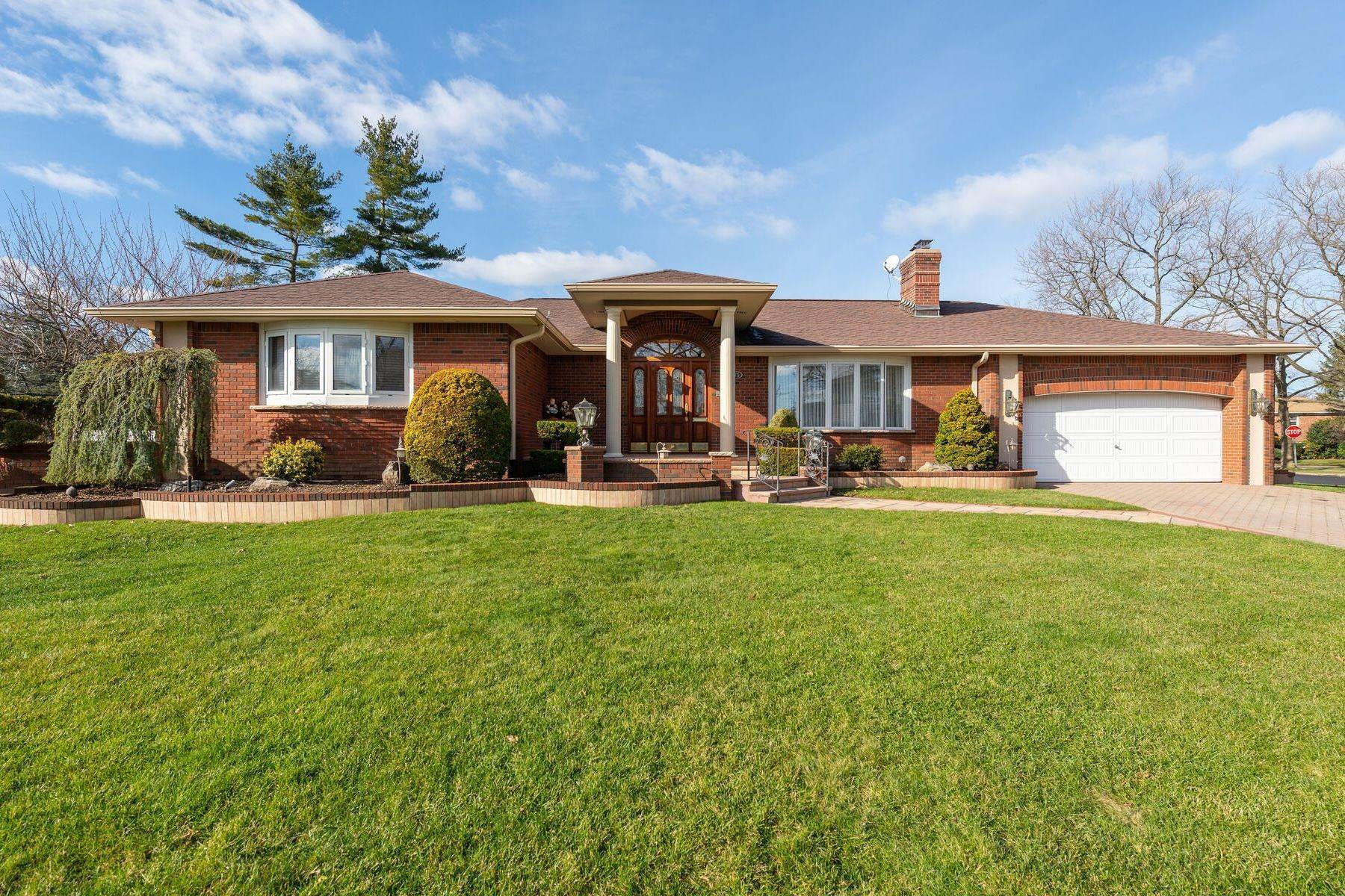 Single Family Homes for Sale at 775 Kensington Drive, Westbury, NY 11590 775 Kensington Drive Westbury, New York 11590 United States