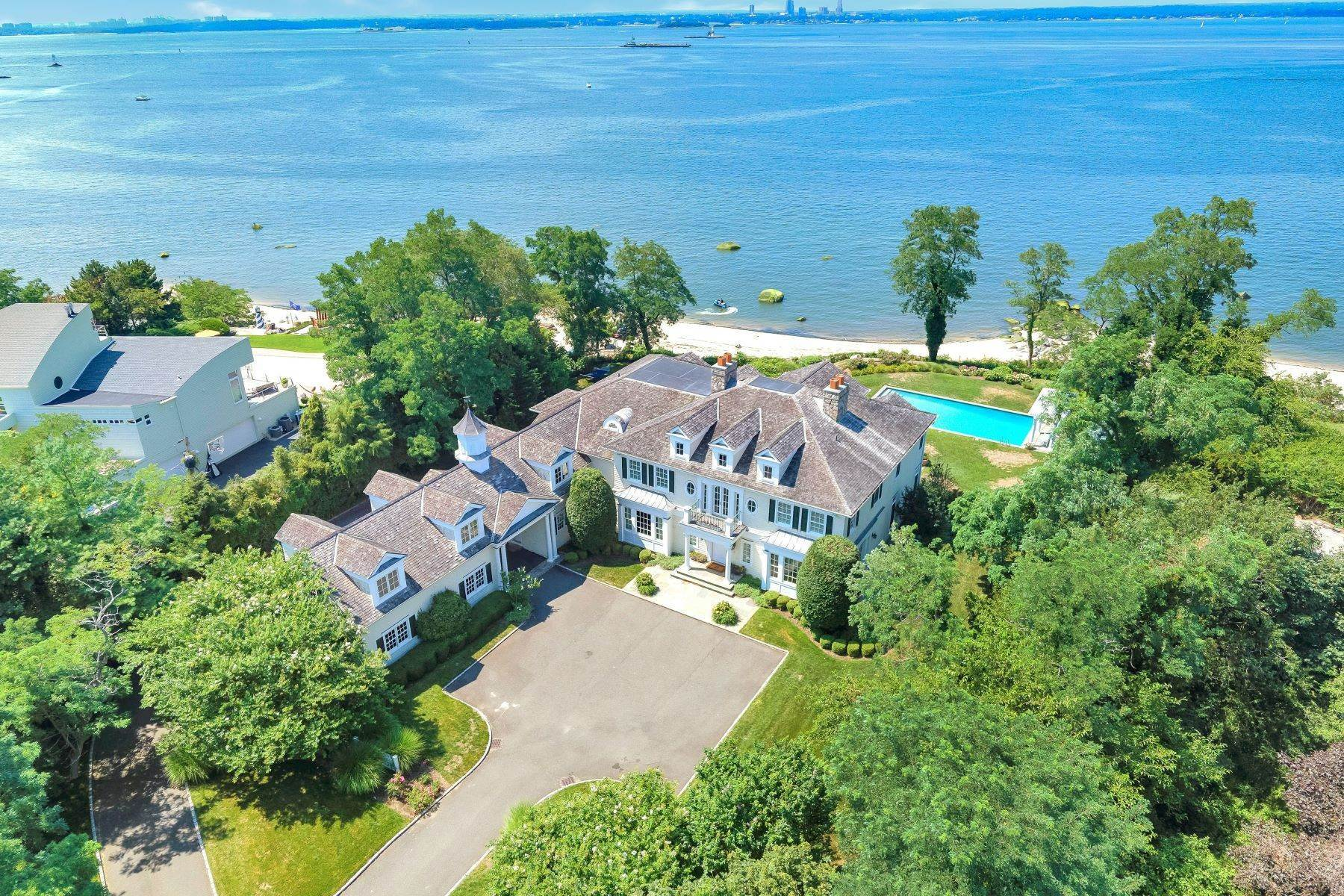 Single Family Homes for Sale at 26 Hoffstot Lane, Sands Point, Ny, 11050 26 Hoffstot Lane Sands Point, New York 11050 United States