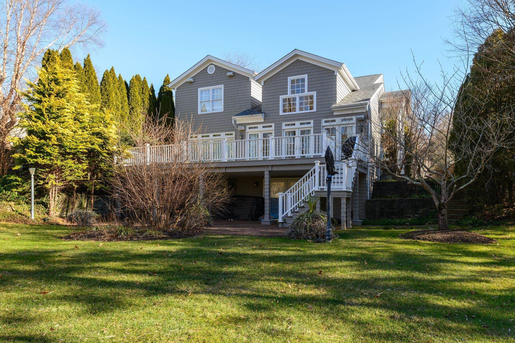 Single Family Homes for Sale at 3 Fieldstone Lane, Oyster Bay, Ny, 11771 3 Fieldstone Lane Oyster Bay, New York 11771 United States