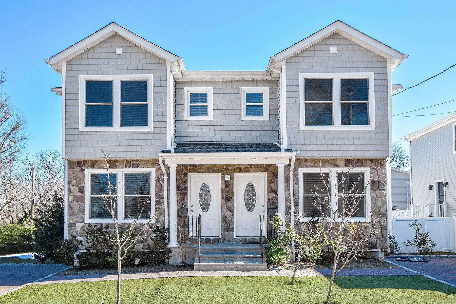 Multi-Family Homes for Sale at 70 Sagamore Hill Road, Port Washington, Ny, 11050 70 Sagamore Hill Road Port Washington, New York 11050 United States