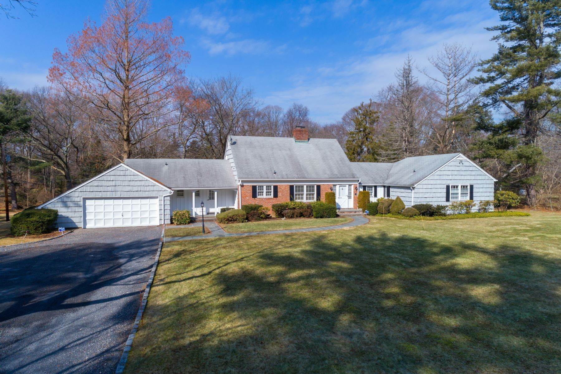 Single Family Homes for Sale at 7 Dogwood Hl, Brookville, Ny, 11545 7 Dogwood Hl Brookville, New York 11545 United States