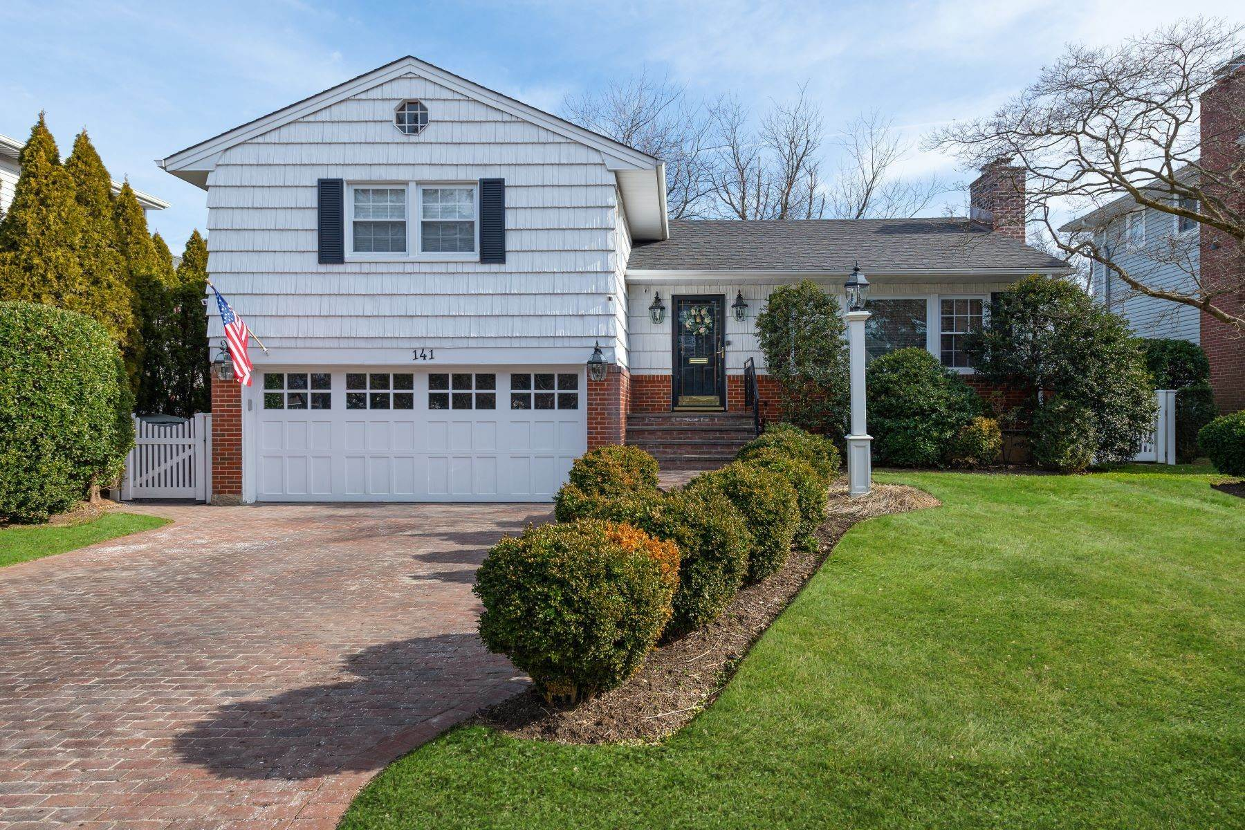 Single Family Homes for Sale at 141 Hayes Street, Garden City, NY 11530 141 Hayes Street Garden City, New York 11530 United States