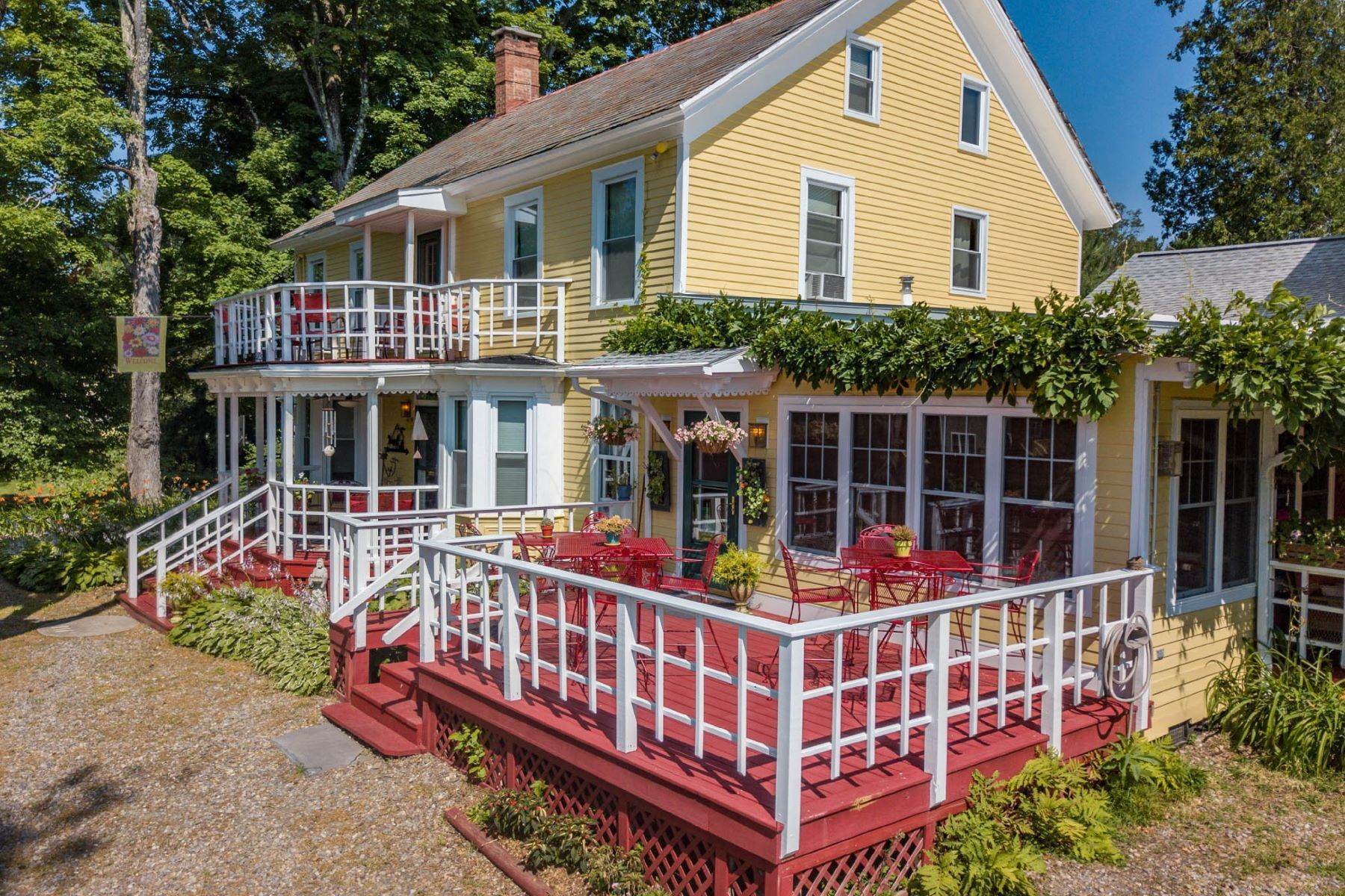 Single Family Homes for Sale at Saratoga Farmstead B&B 41A Locust Grove Rd Saratoga Springs, New York 12866 United States