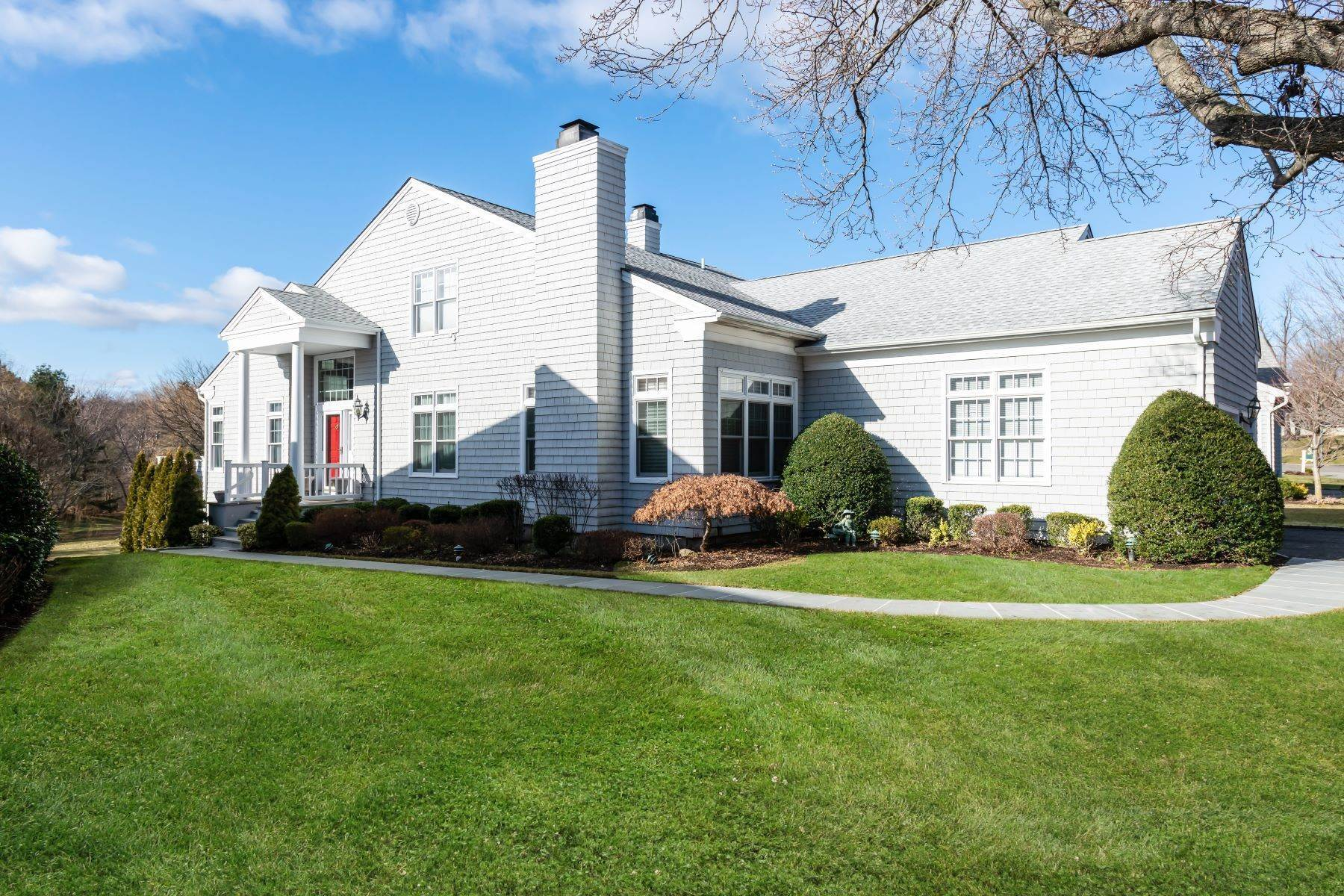 Single Family Homes for Sale at Oyster Bay 13 Fieldstone Lane Oyster Bay, New York 11771 United States