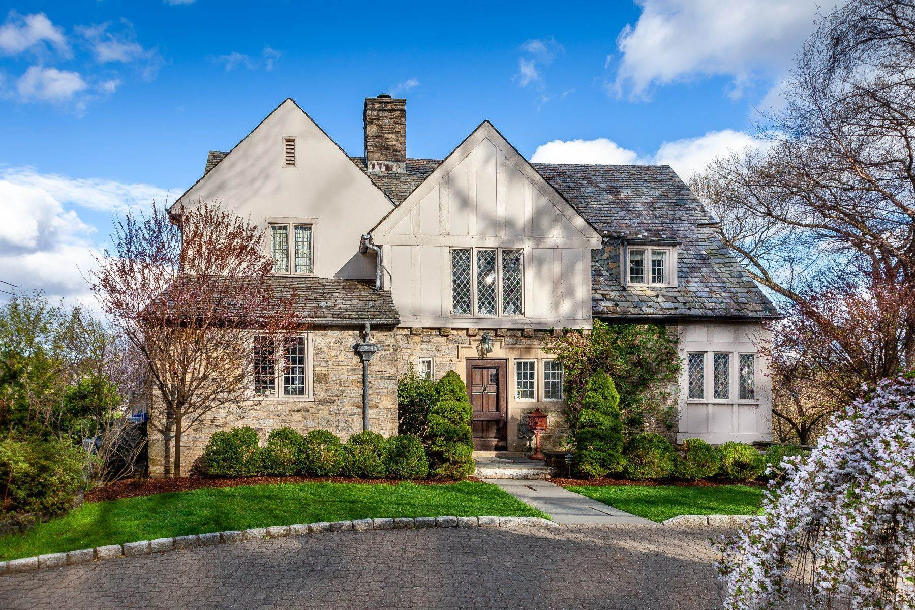 Single Family Homes for Sale at Welcome To 54 Prescott Avenue 54 Prescott Avenue Bronxville, New York 10708 United States