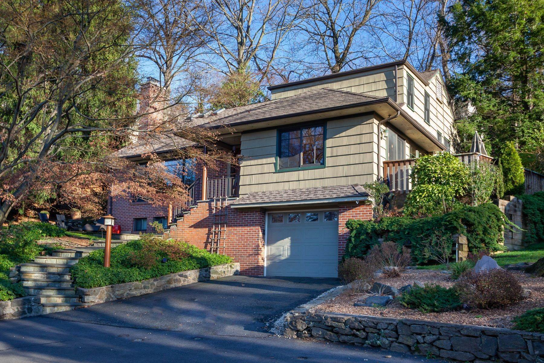 Single Family Homes for Sale at 5 Oval Court Bronxville, New York 10708 United States