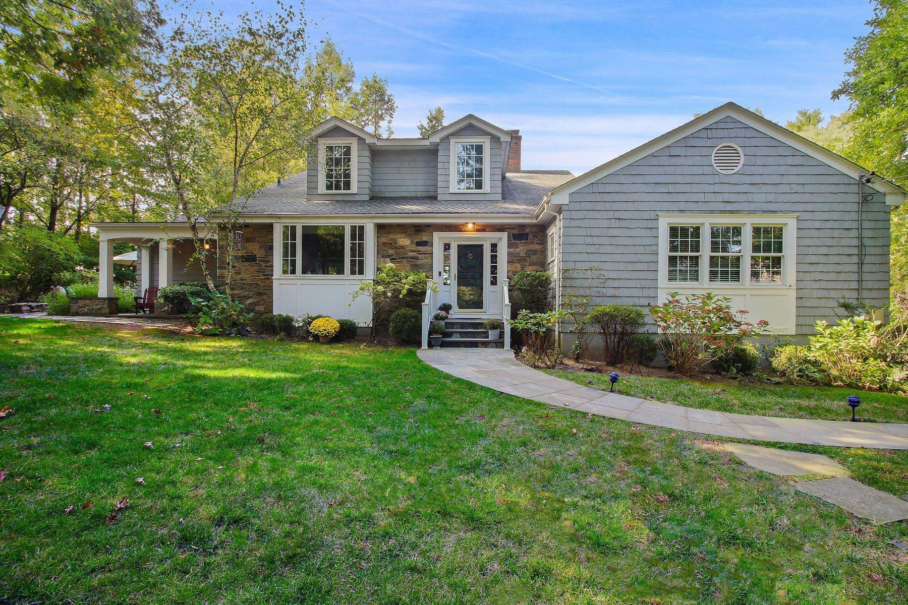 Single Family Homes for Sale at Hidden Gem in Scarsdale Estate Area 67 Griffen Avenue Scarsdale, New York 10583 United States