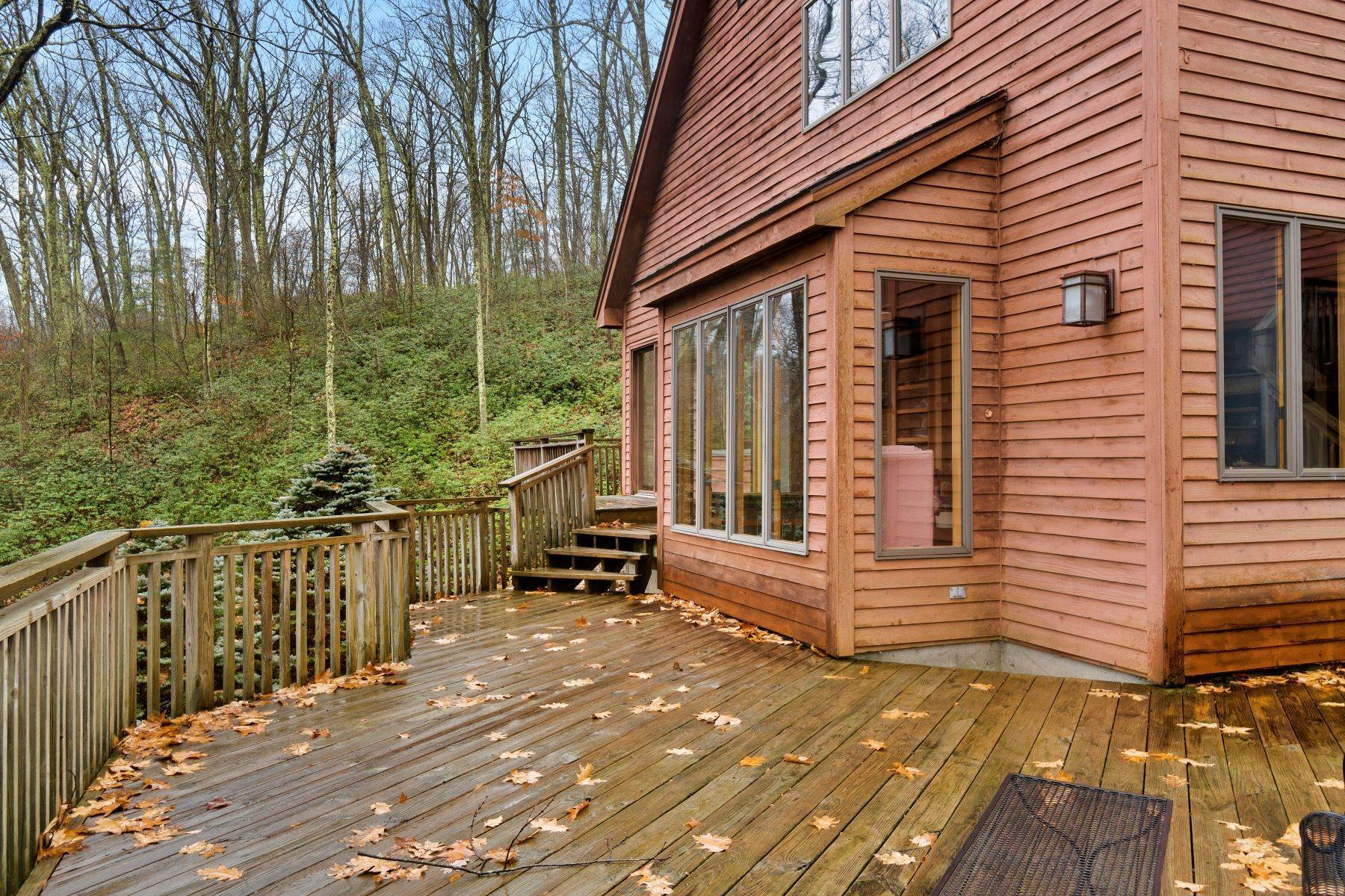4. Single Family Homes for Sale at Secluded Mountain Top Post & Beam 35 Stone Ledge Rd Hillsdale, New York 12529 United States