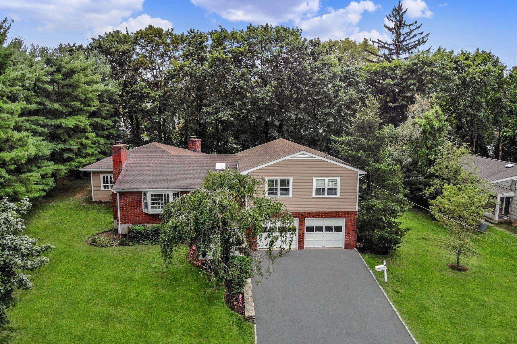 Single Family Homes for Sale at 4 Loch Lane Rye Brook, New York 10573 United States