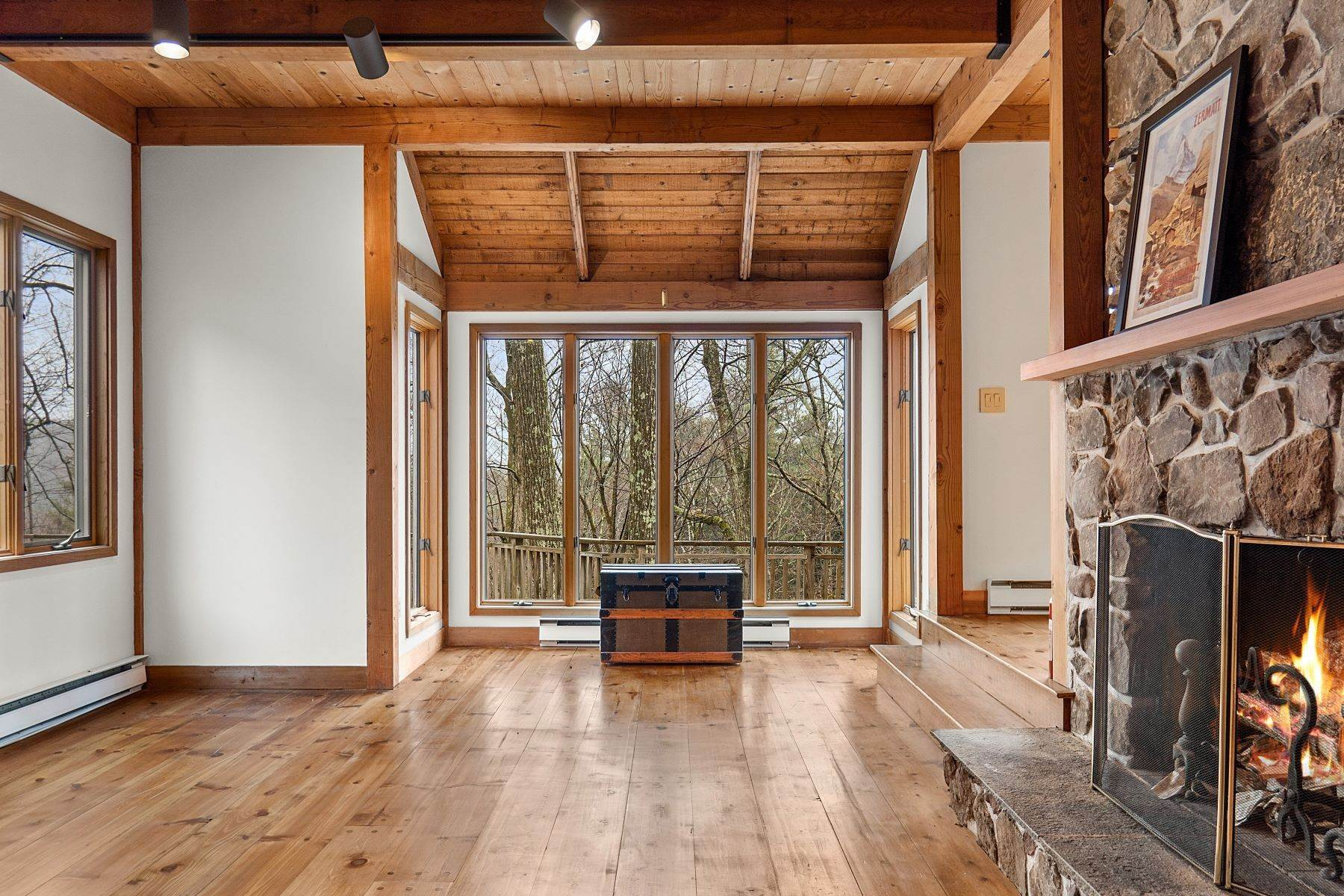 10. Single Family Homes for Sale at Secluded Mountain Top Post & Beam 35 Stone Ledge Rd Hillsdale, New York 12529 United States