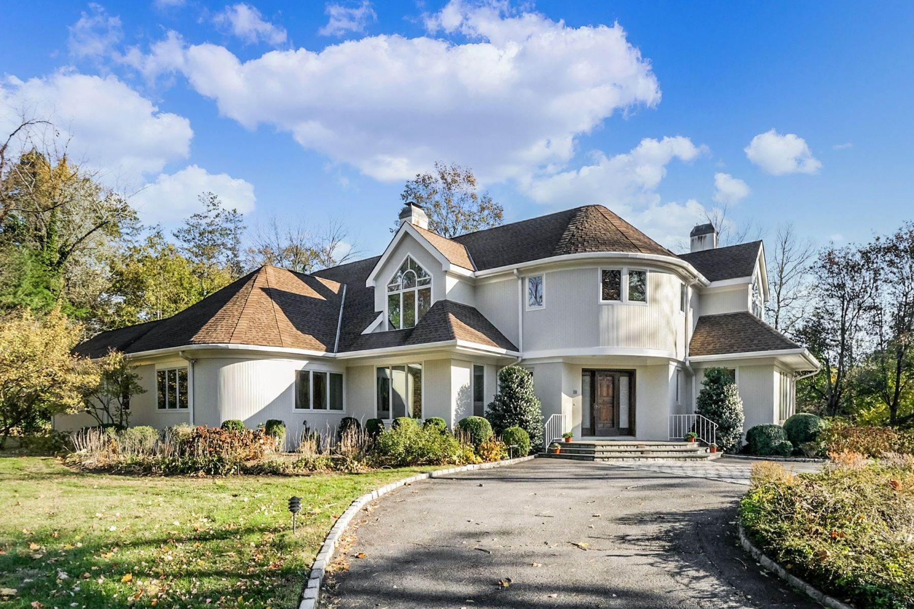 Single Family Homes for Sale at Contemporary Home with Stunning Architecture 24 Murray Hill Road Scarsdale, New York 10583 United States