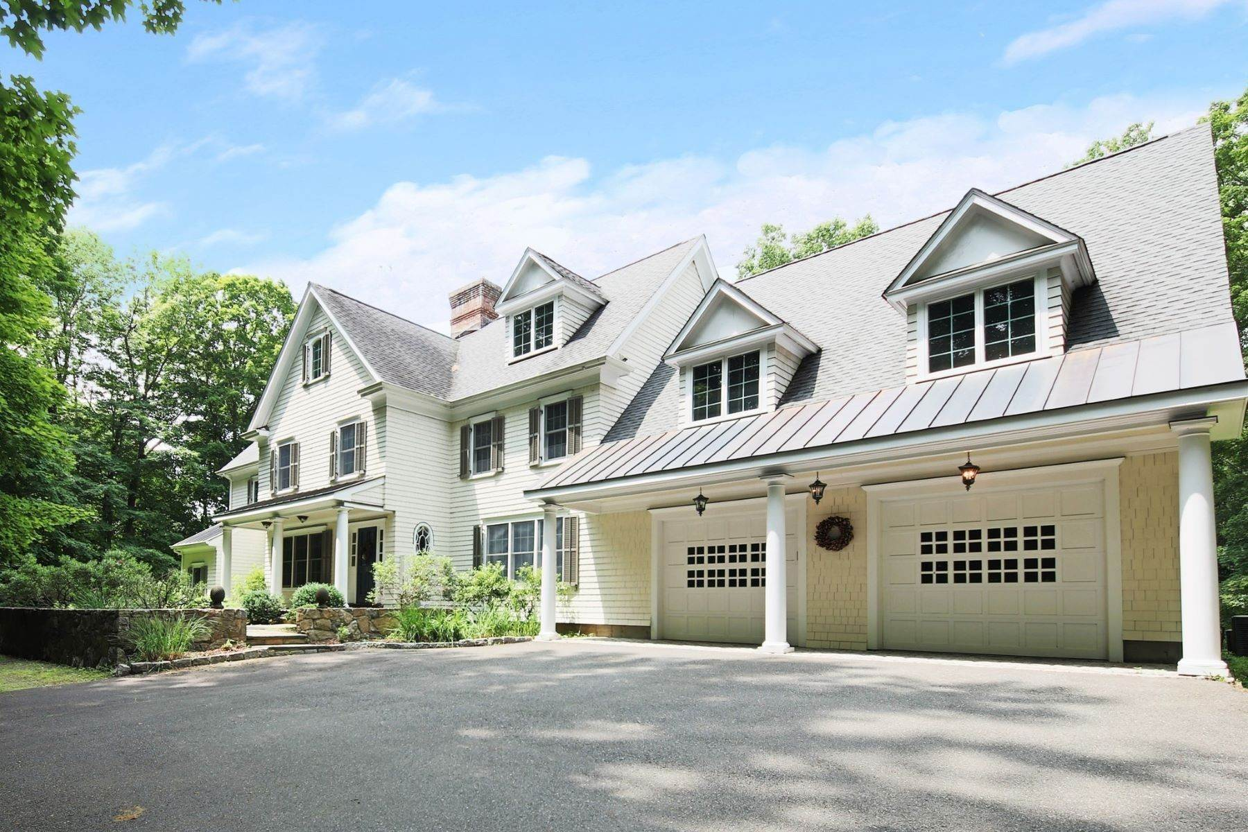 Single Family Homes for Sale at EXQUISITE CUSTOM COLONIAL 91 Golf Lane Ridgefield, Connecticut 06877 United States