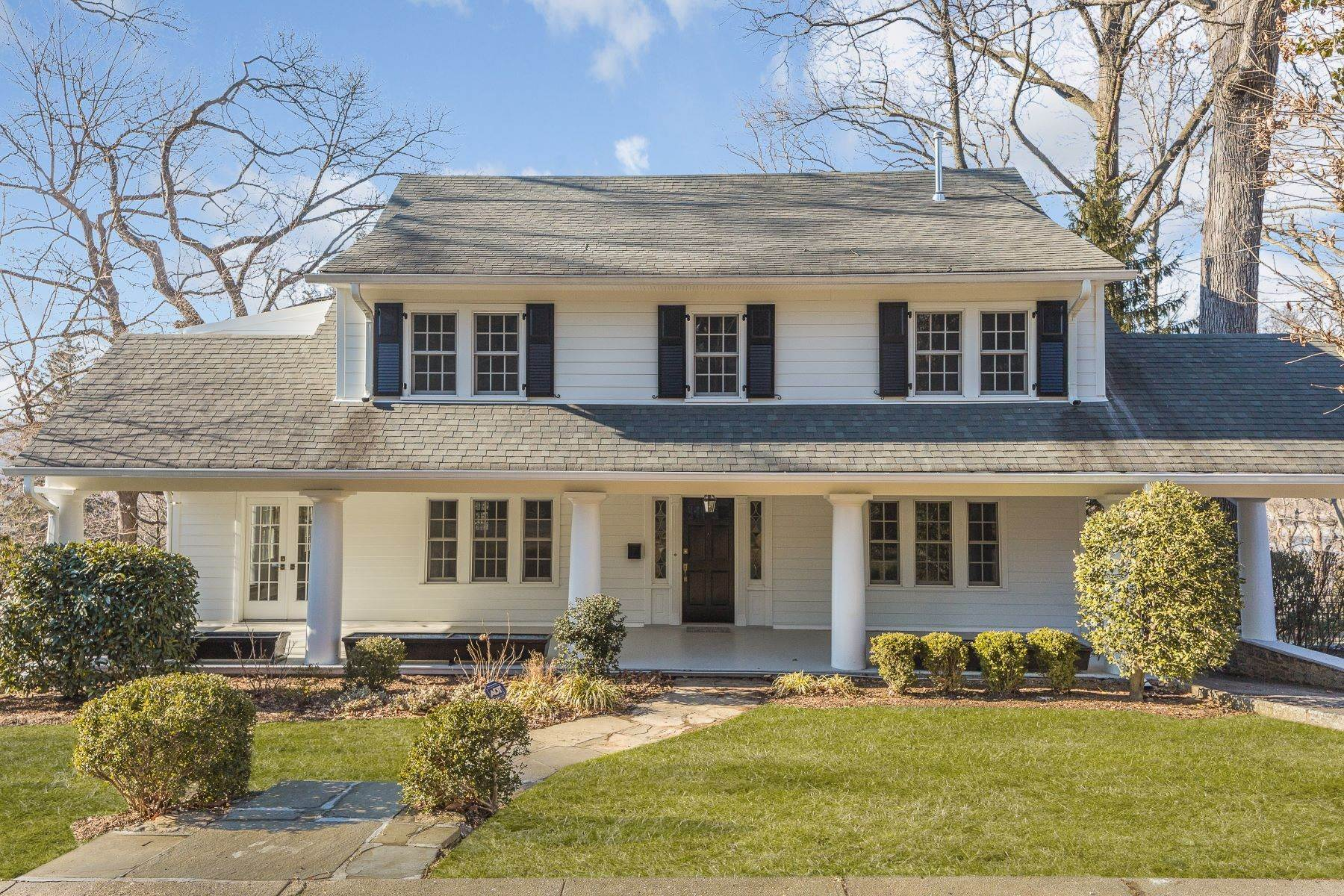 Single Family Homes for Sale at 129 Dellwood Road Bronxville, New York 10708 United States