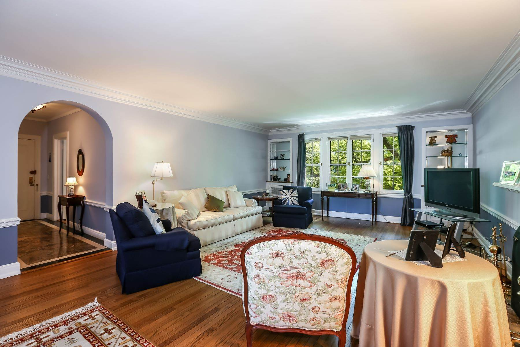 Single Family Homes for Sale at Sought After Pre-War Building 10 Brooklands, 4E Bronxville, New York 10708 United States